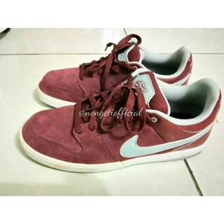 Sepatu Nike 6.0 Maroon Size 44 Original