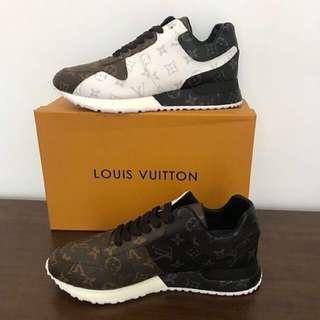 New lV sneakers