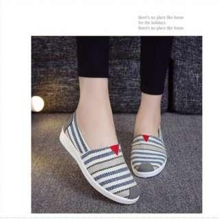 (New) Blue stripes shoes