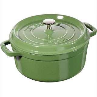 法國 Staub 24cm 圓形燉鍋!