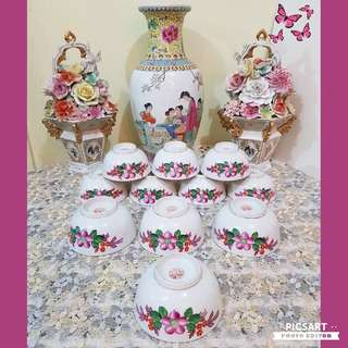 Rare 1950s Hand-Painted Pink Bossom Rice Bowls. 4pcs 11.5cm dia and 7pcs 9.5cm dia bowls. Very Pretty! Unused, Good condition, no chip no crack.. All 11pcs for $48 offer, sms 96337309.