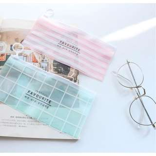 Transparent Pencil Case / Tempat Pensil Bening We Are Young [TP11]