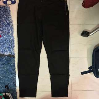 (NEW!) H&M Fitted Pants