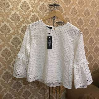 KYVA white top NEW!!