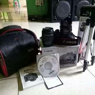 Canon eos dslr 700D 18-55Mm