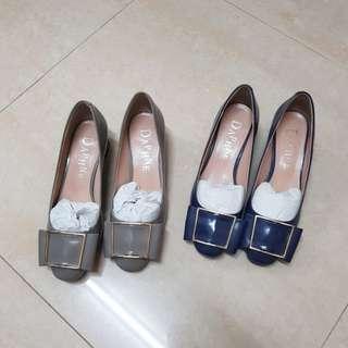 達芙妮粗方跟鞋,兩雙直購