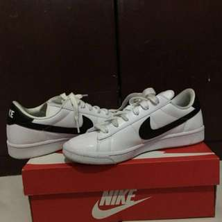 Original Nike Leather white shoes