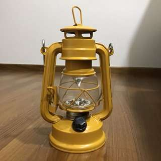 Vintage Yellow Kerosene Lamp (Battery-operated, works!!)