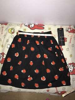 半截裙,8成新,橡筋頭,可拉到30寸腰,中童亦合穿