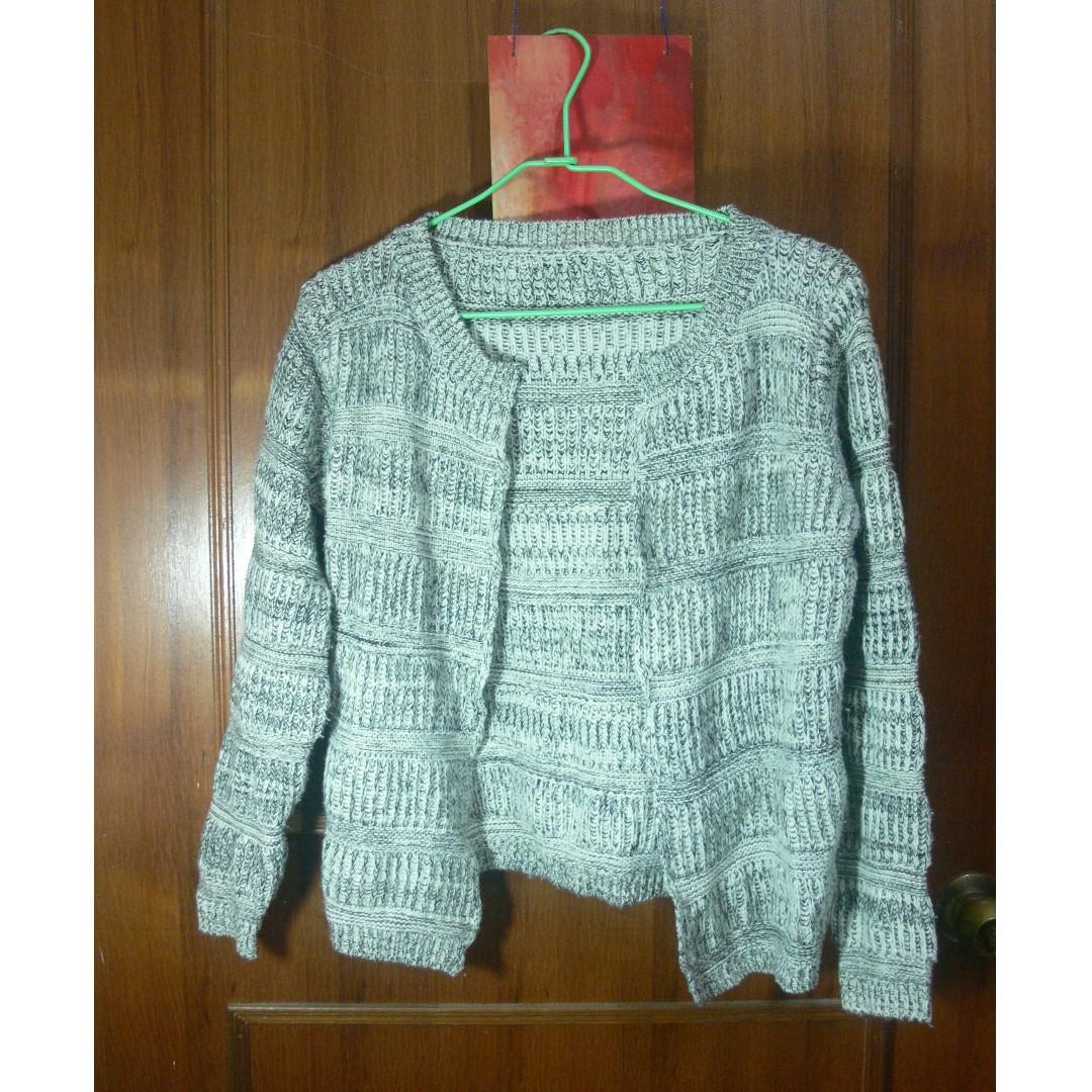 暖白灰厚針織外套