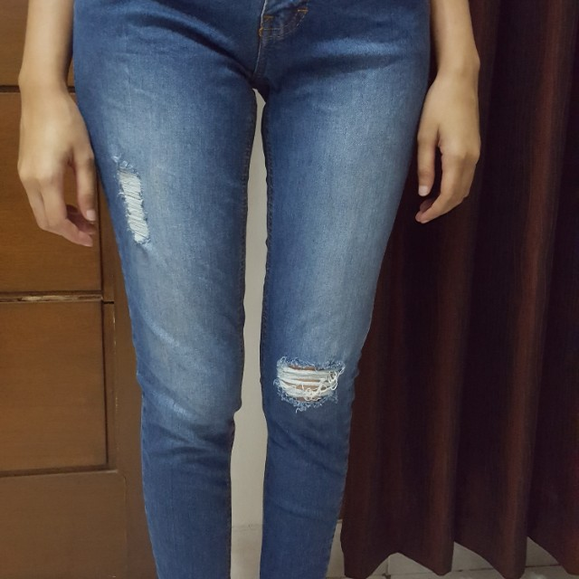 ADA Ripped Jeans
