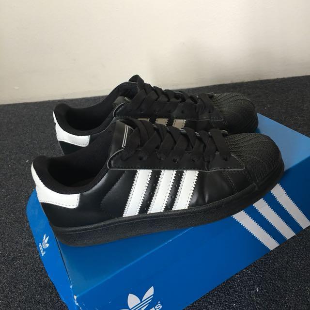 Adidas Superstars - Black