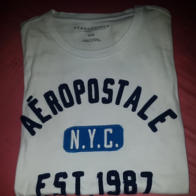 ed5fb4bb Aeropostale White T-Shirt, Men's Fashion, Clothes on Carousell