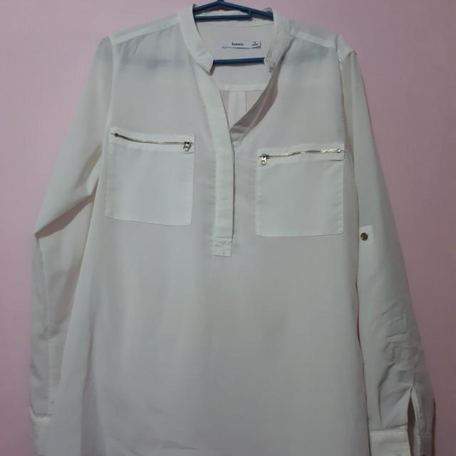 Bossini white top