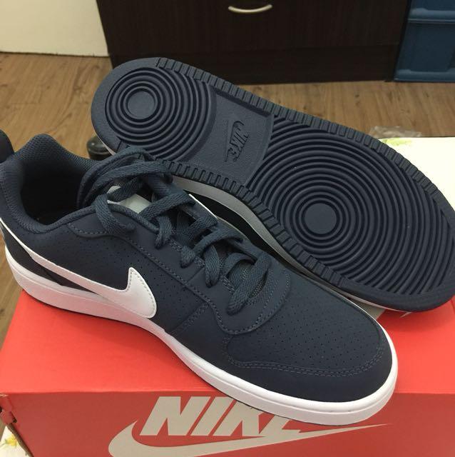 8e4b82b72a1a1a brandnew nike shoes orig from dubai