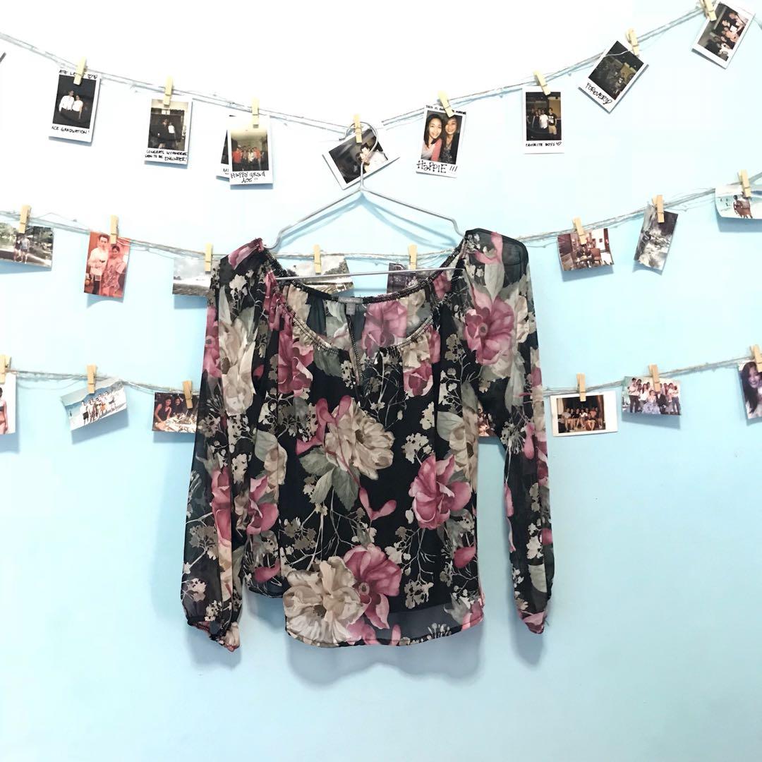 CHARLOTTE RUSSE Off the shoulder floral top.