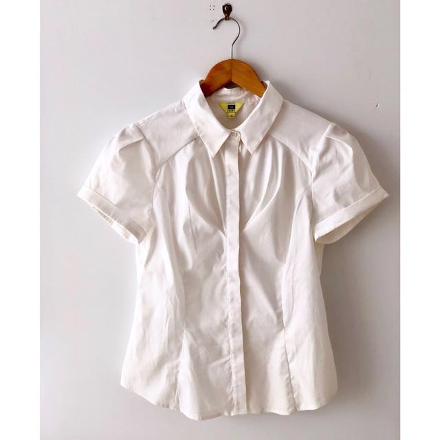 Cue - Short sleeve with cuffs, collar and pleats crisp white shirt