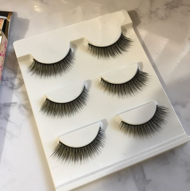 False lashes pack of 3