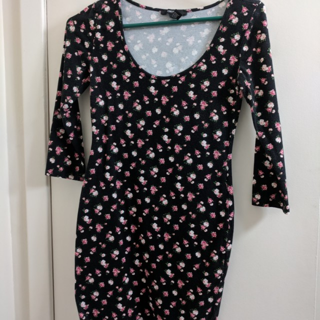 Forever 21 floral bodycon dress size s