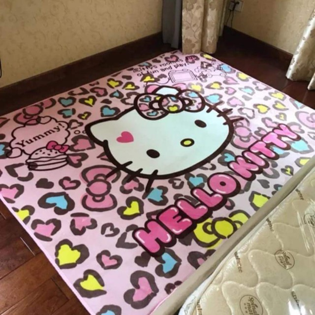 HELLO KITTY CARPET