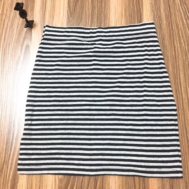 H&M黑灰條紋短裙 窄裙 包裙 xs #狗年發發