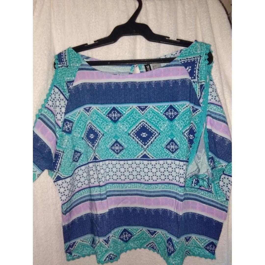 H&M Off shoulder blouse