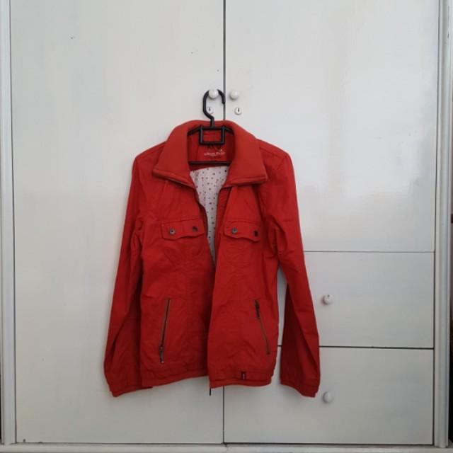 Jaket mantel tebal merah orange merah bata
