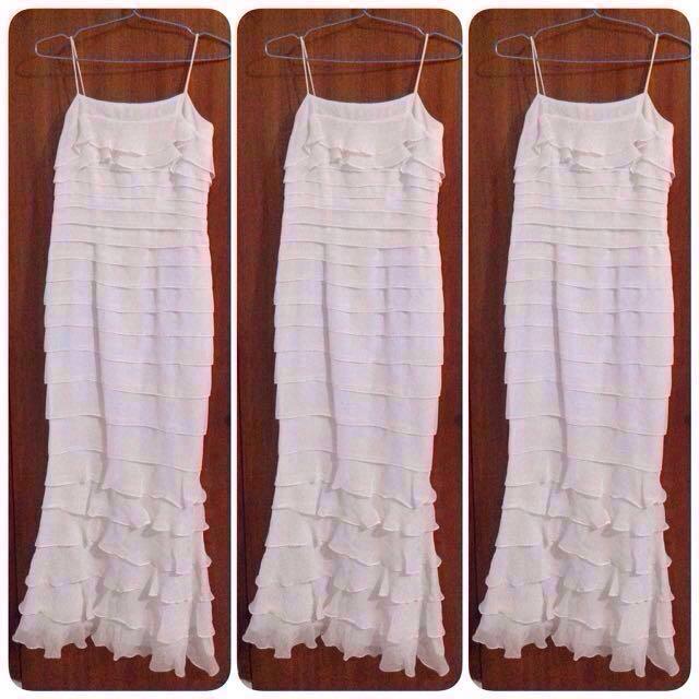 Long Dress Putih