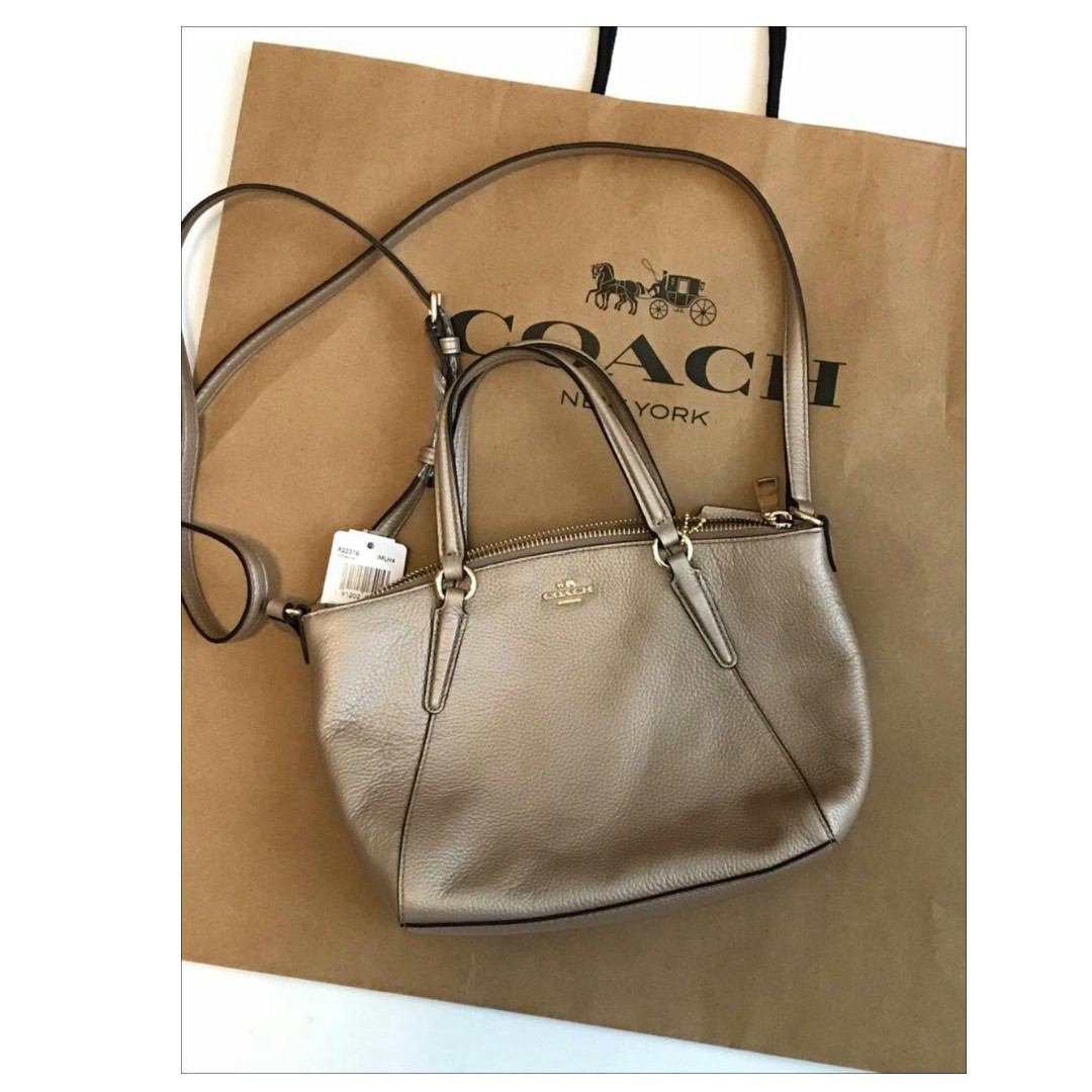 19b7cbca377ca MINI KELSEY SATCHEL IN METALLIC PEBBLE LEATHER (COACH F22316) iN PLATINUM,  Women's Fashion, Bags & Wallets on Carousell