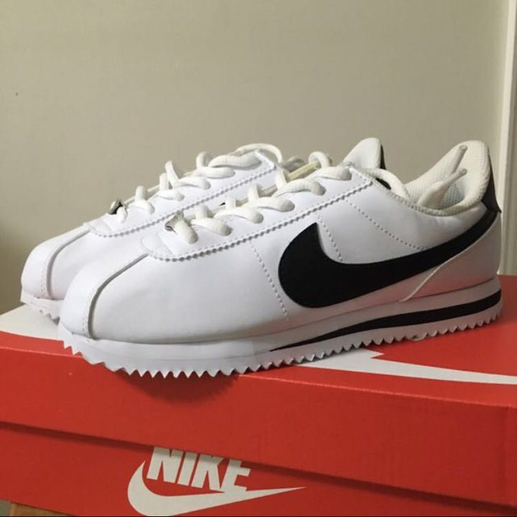huge discount e0d8f 54c38 Nike cortez black and white size 35.5