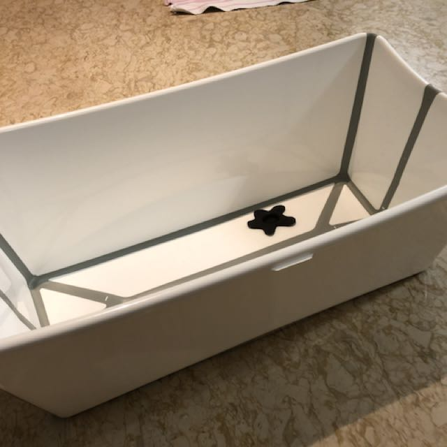 Original Denmark made full set bath tub, Babies & Kids, Nursing ...