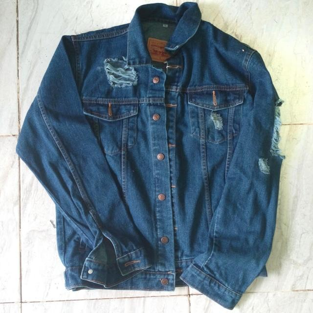 Oversized Jacket Jeans (Ripped)