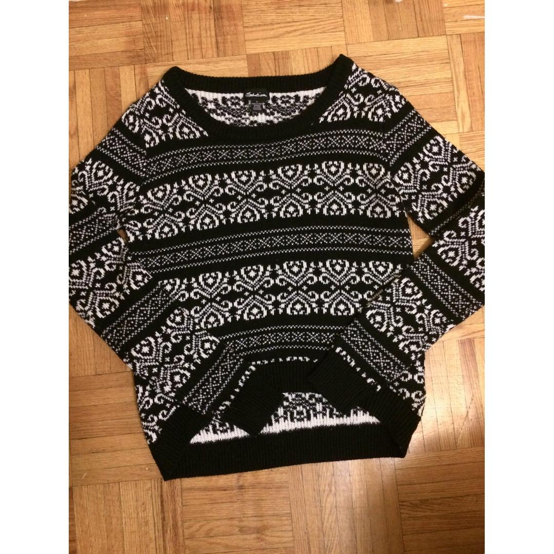 High- Low Pattern Sweater