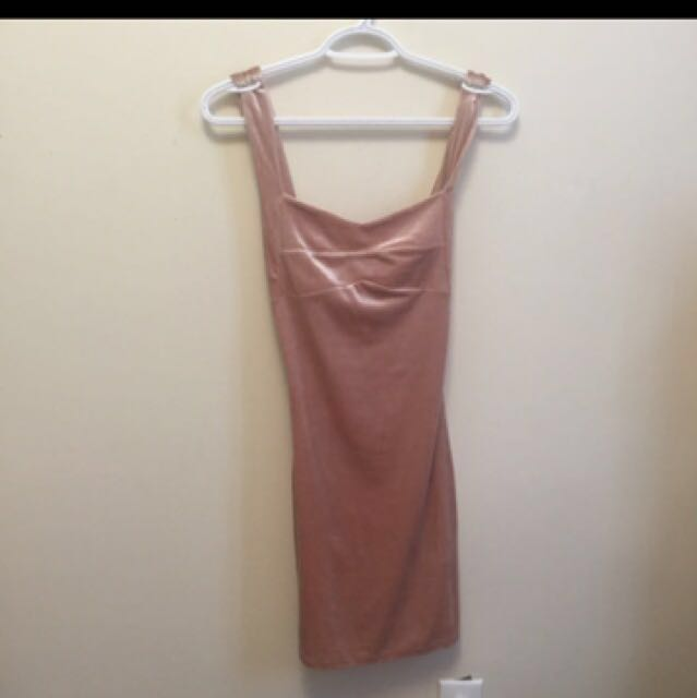 Pink rose sexy velvet bodycon dress. Size small  Forever21