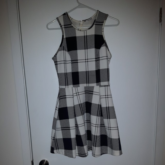 Plaid dress size small