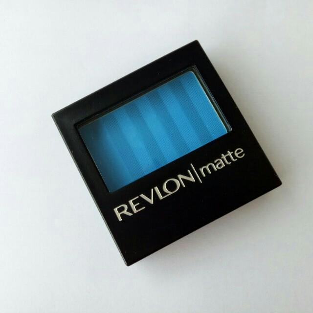 REVLON Blue Eyeshadow
