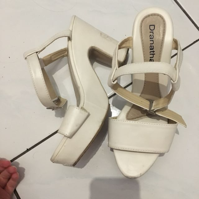 Sepatu hak tinggi heels wedges putih dranatha