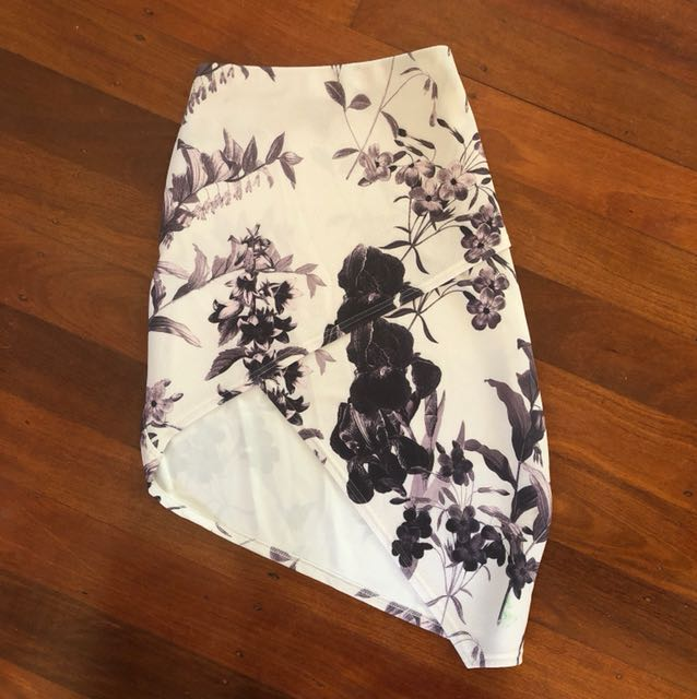 Size 12 missguided skirt
