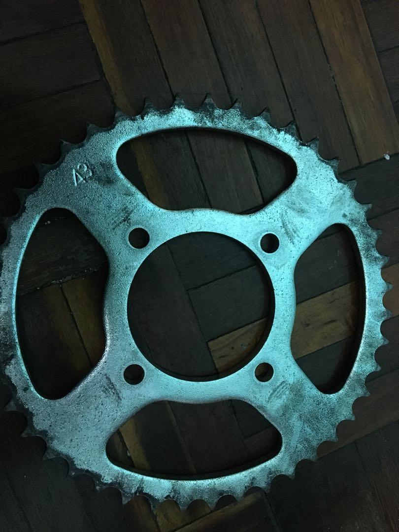 Spoket/Sprocket standard yamaha 125ZR saiz 43 original motor
