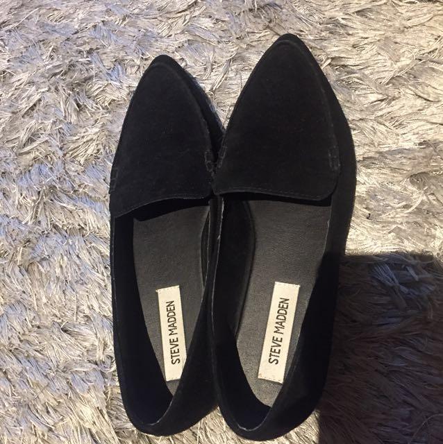 Steve Madden Black Flat Shoes