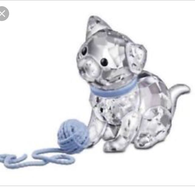 Swarovski cat and yarn figurine