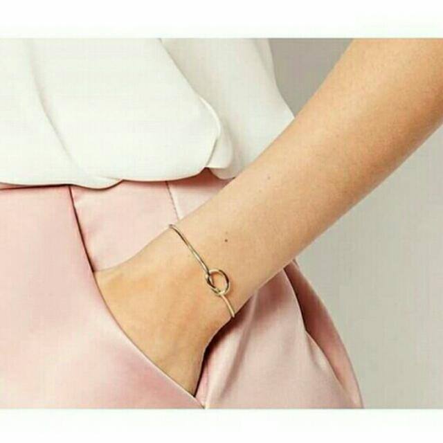 The Promise Knot Bangle