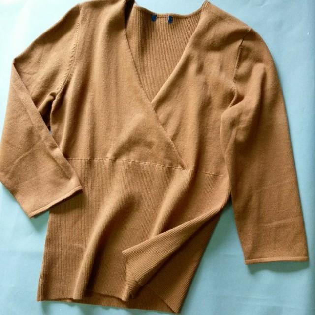 全新咖啡棕針織v領七分袖線衫M