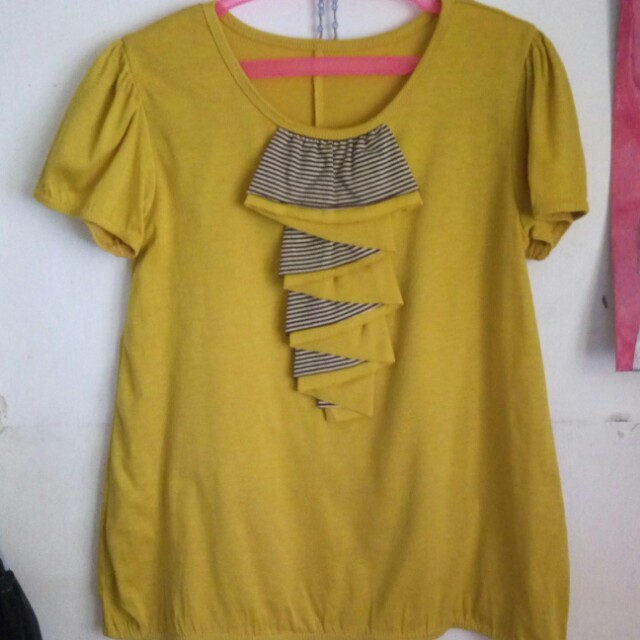 Yellow blouse (preloved)