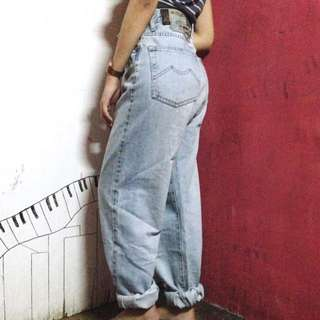 Button Down Mom Jeans