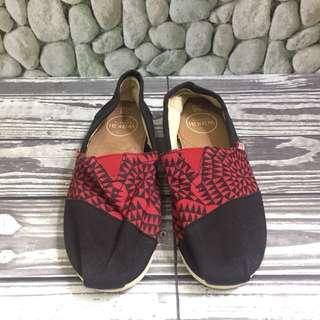 Wakai Black-Red