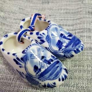 🆕🈹手製陶瓷荷蘭木屐小擺設 (荷蘭製)