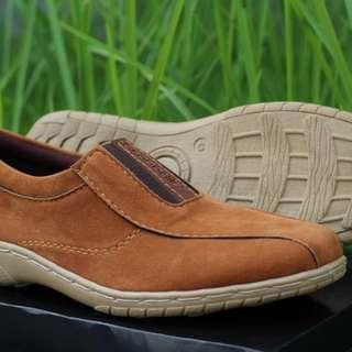 Sepatu Slip On Cowok