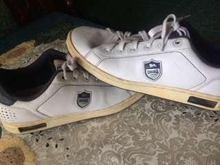 sepatu sneaker putih original