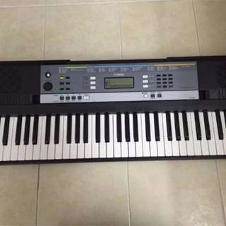 Yamaha YPT-240 - Portable Keyboard